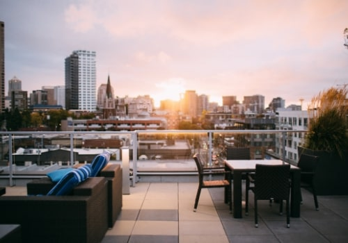 Rooftop bars are extremely popular for a reason!